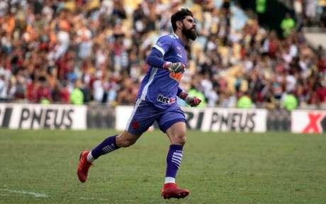 Fernando Miguel está no Vasco desde 2018, e vem se consolidando na equipe (Foto: Delmiro Junior/Photo Premium)