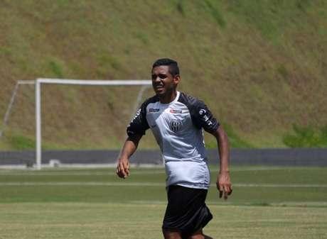 Dawhan comentou sobre a possível volta do futebol brasileiro (Foto: Rebeca Reis/Ponte Preta)