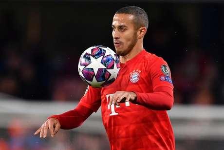 Thiago é um dos destaques do Bayern de Munique (Foto: Ben STANSALL / AFP)