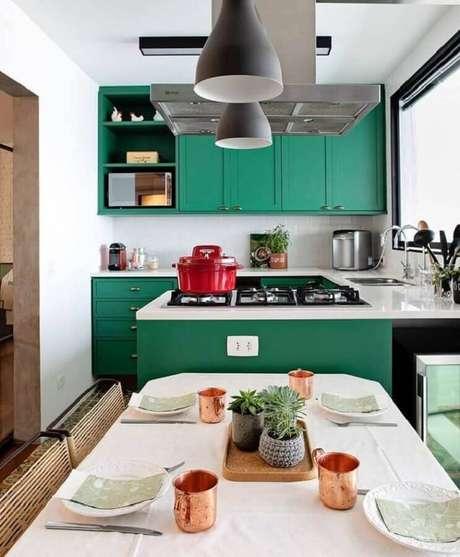 1. Invista na cor esmeralda para decoração de seus ambientes com mais estilo e sofisticação -Foto: Ambienta Arquitetura