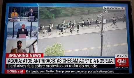 Na CNN Brasil, Dani Alves foi entrevistado por dois âncoras negros, Luciana Barreto e Diego Sarza, e também pelo âncora Cassius Zeilmann, que já se emocionou no ar ao revelar ter testemunhado episódios de racismo