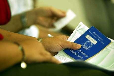 Pandemia fechou 331 mil vagas de emprego em maio
