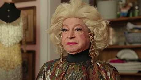 Eduardo Albarella, ou Miss Biá, foi um precursor entre os artistas homens que se vestiam de mulher para atuar como divas