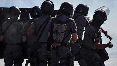 Policiais reagindo a manifestação em São Paulo no último dia 31