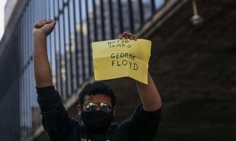 Protesto pela democracia em São Paulo no dia 31 de maio também teve menções a George Floyd