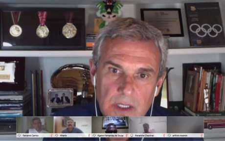 José Roberto Guimarães durante encontro virtual promovido pela CBV (Foto: Divulgação/CBV)