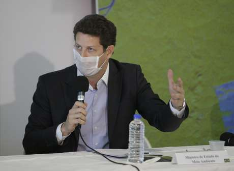 O ministro do Meio Ambiente, Ricardo Salles, durante entrevista coletiva sobre as operações de combate ao desmatamento