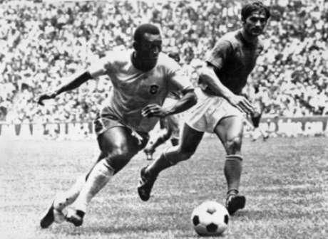 Pelé fez a assistência no gol de Jairzinho contra os ingleses(Foto: AFP/STAFF)