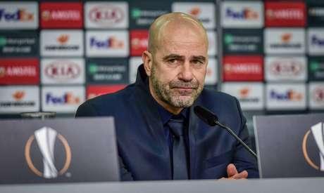 Peter Bosz é o técnico do Bayern Leverkusen – Foto: Divulgação