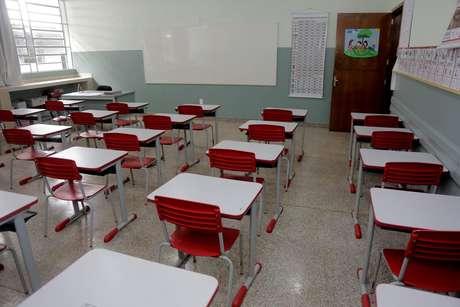 Salas de aula em escola pública no Paraná, vazias por conta do novo coronavírus (Covid-19).