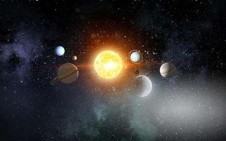 Os astros podem te ajudar a descobrir como será o dia de amanhã - Crédito: Shutterstock