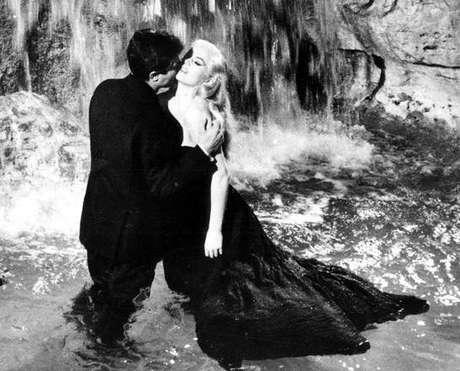 Cena de filme de Federico Fellini, um dos homenageados pelo Festival
