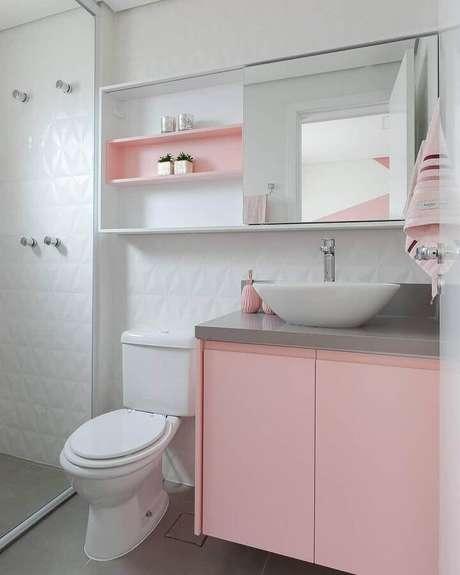 20. Delicada decoração para banheiro branco com nicho e gabinete na cor rosa pastel – Foto: Webcomunica