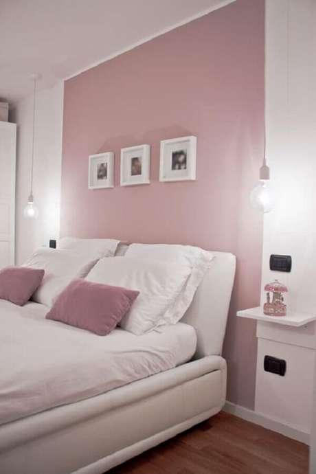 27. Decoração para quarto de casal rosa pastel e branco – Foto: Futurist Architecture