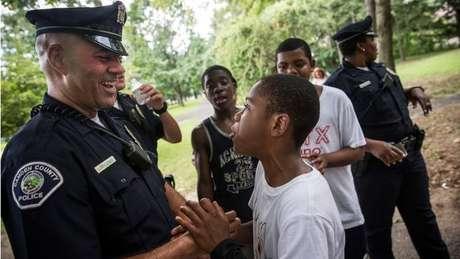 A polícia de Camden adotou novos métodos e uma filosofia diferente de trabalho há sete anos