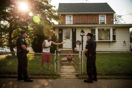 Melhorar a convivência entre polícia e cidadãos era um dos objetivos da mudança