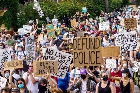 O caso George Floyd provocou protestos nos Estados Unidos que pedem uma profunda reforma da polícia