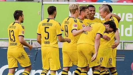 Haaland marca nos acréscimos e garante vitória do Borussia Dortmund no Alemão