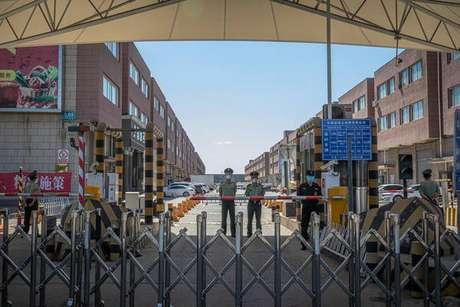Mercado de alimentos na capital chinesa foi fechado para ser desinfetado