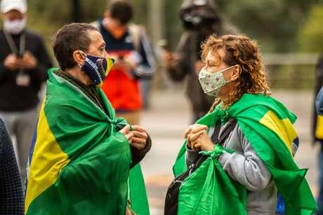 Manifestantes reunidos no Viaduto do Chá, no centro da capital paulista, em ato pró- governo Jair Bolsonaro