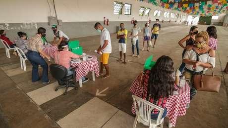 Prefeitura de Caruaru criou uma campanha de doação de cestas básicas para artistas e comerciantes