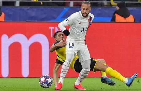 Neymar faz boa temporada pelo PSG (Foto: TOBIAS SCHWARZ / AFP)