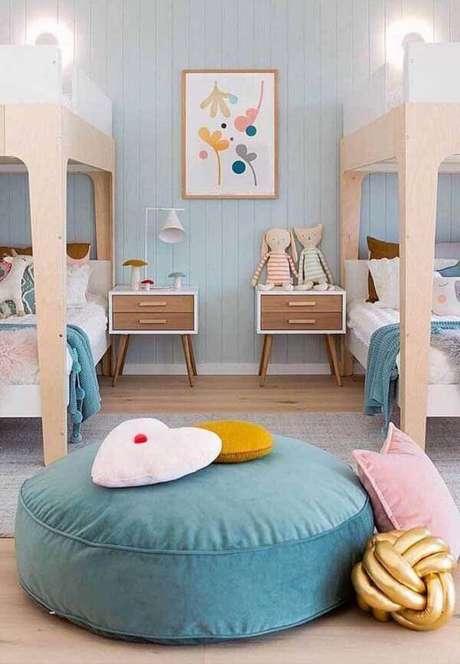 1. Puffs Grandes no quarto infantil – Via: Pinterest