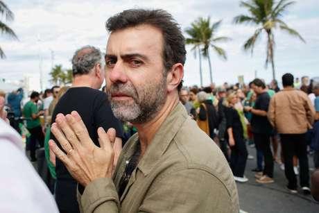 Entre os mais incisivos ao comentar a prisão de Queiroz está o deputado federal Marcelo Freixo (PSOL-RJ).