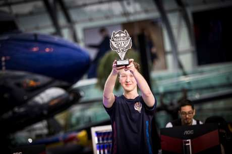Na Áustria, 'Liquid knives' não dá chance aos seus adversários e fatura a vaga do País visando à etapa continental (Matthias Heschl/Red Bull Content Pool)