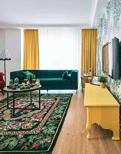 13. Invista na sala verde e amarela para uma decoração bem alegre – Foto: Pinterest