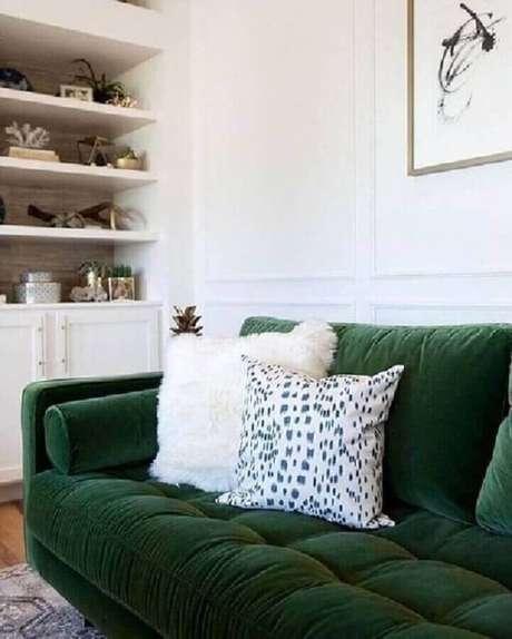 8. Use o verde esmeralda com cuidado para não sobrecarregar a decoração – Foto: Pinterest