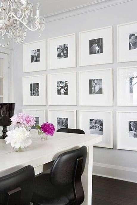 34. Parede com quadros de fotografia para sala de jantar branca – Foto: We Heart It