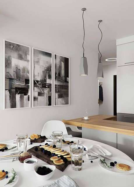 44. Quadro de parede para sala de jantar branca e moderna – Foto: Otimizi