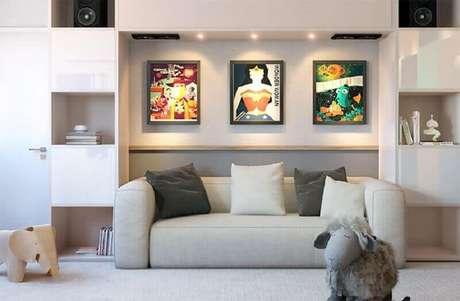 48. Quadro de parede para sala moderna planejada – Foto: ArchZine