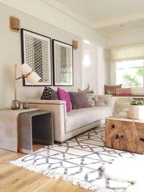 62. Quadros de parede decorativos para sala de estar decorada em tons neutros – Foto: Homedit
