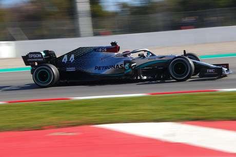 Mercedes vive grande fase e ajuda a transformar Lewis Hamilton em mito.