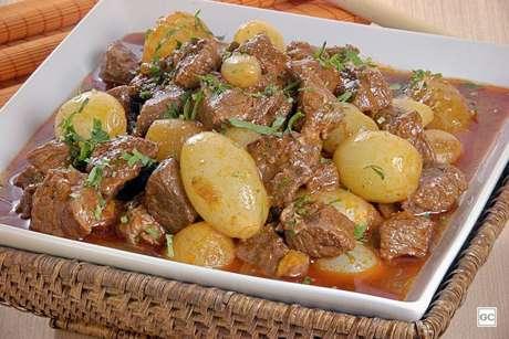 Guia da Cozinha - Receitas de picadinho de carne para um almoço rápido e saboroso