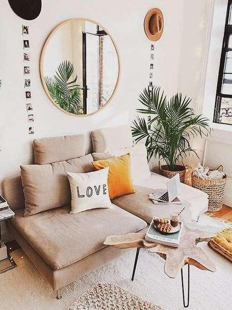 1. Sala pequena com sofá 2 lugares – Via: Pinterest