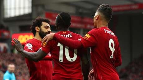 City perde e Liverpool é campeão inglês após 30 anos