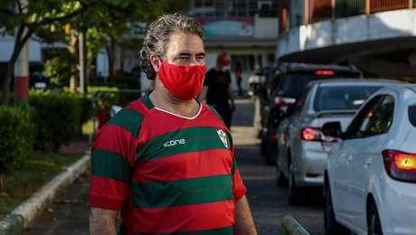 Antônio Carlos Castanheira acompanha drive-thru solidário da Portuguesa