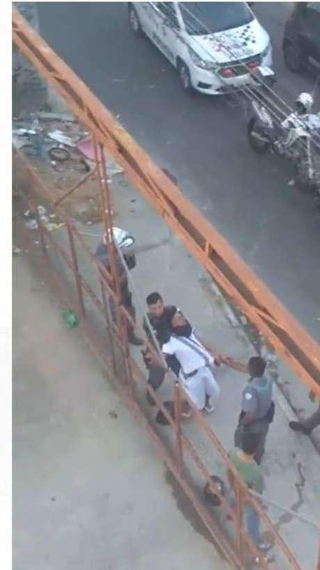 Vídeo mostra ação de PM contra um jovem, que desmaiou após ser estrangulado durante uma abordagem da Polícia Militar.