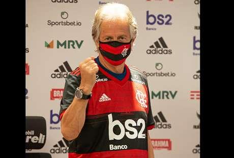 Jesus comemora, em dia da renovação de seu contrato com o Flamengo (Foto: Alexandre Vidal / CRF)