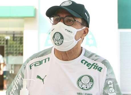 Aos 68 anos de idade, Vanderlei Luxemburgo receberá atenção especial no Palmeiras (Agência Palmeiras/Divulgação)