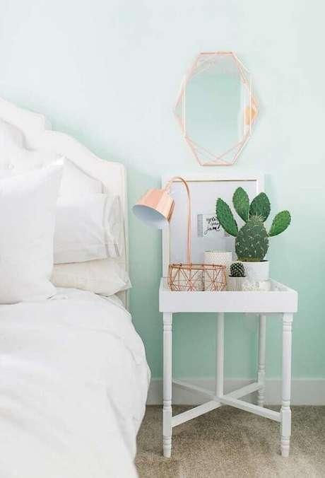 29. Tinta verde menta para parede de quarto feminino super delicado com detalhes em rose gold – Foto: Pinterest