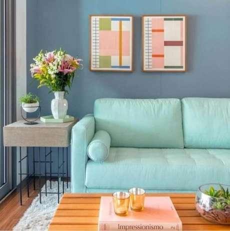 39. Tecido verde menta para decoração de sala azul moderna – Foto: Pinterest