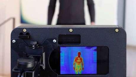 Sistema da empresa vai fazer a medição de temperatura com uma câmera térmica e de reconhecimento de máscara
