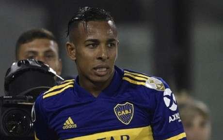 Villa é acusada de agressão a ex-namorada e responde a processo na Argentina-(Foto: AFP)