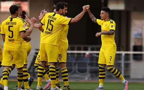 Vice-campeão, Borussia Dortmund, apenas cumpre tabela e se despede da Bundesliga 2019/20 (Foto: Lars Baron/AFP)