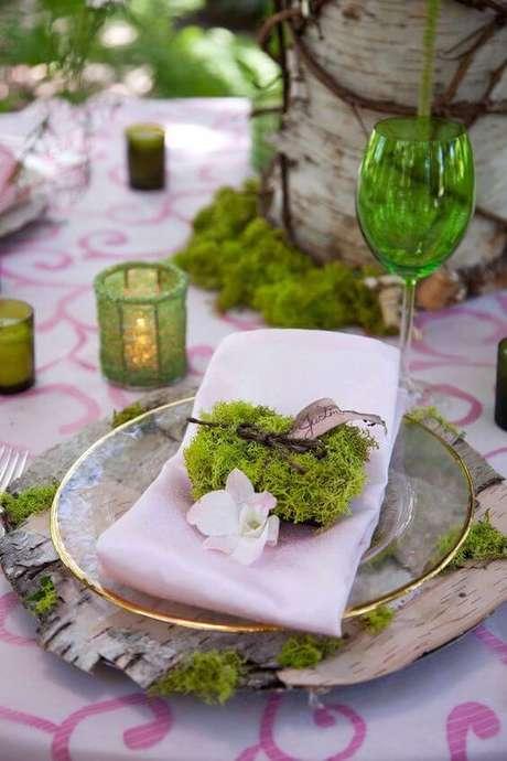40. Como dobrar guardanapo simples para mesa criativa – Via: Pinterest