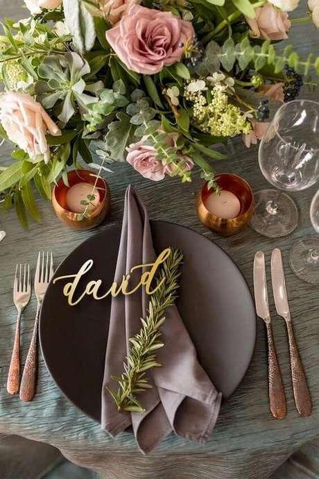 1. Como dobrar guardanapo mesa posta – Via: Pinterest
